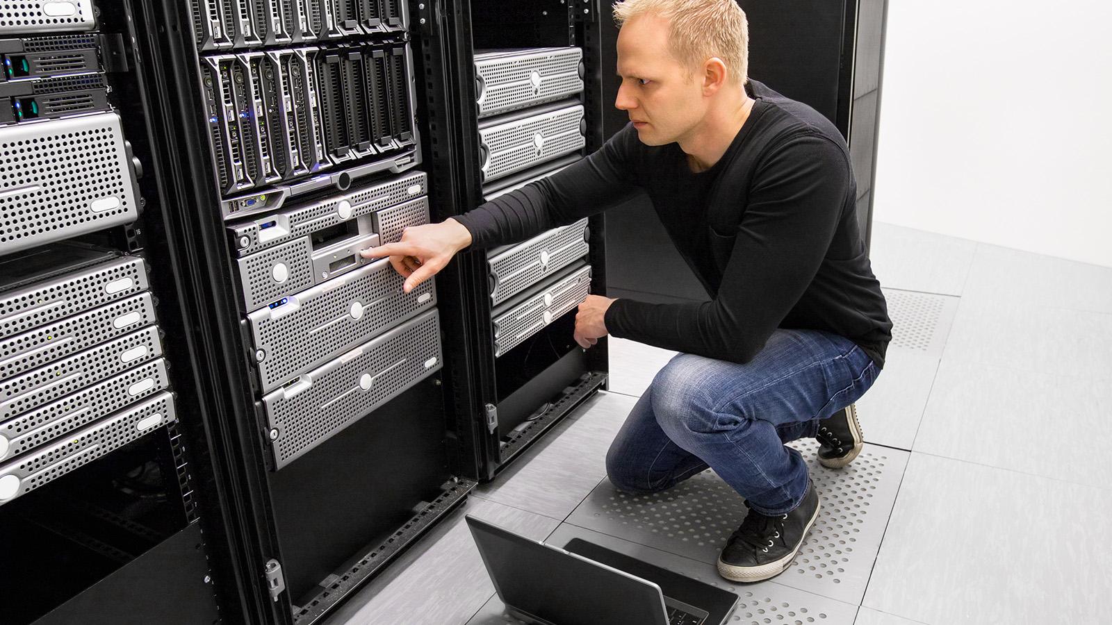 Data Center (Veri Merkezi) ve Network Alt Yapısı Kurulumu